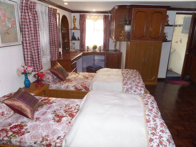 Home Stay 2  at Jhiguchhen