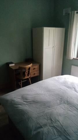 Ground floor double bedroom