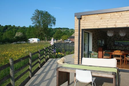 Stylish Bungalow with Stunning Views of Wirksworth - Wirksworth - Bungalow