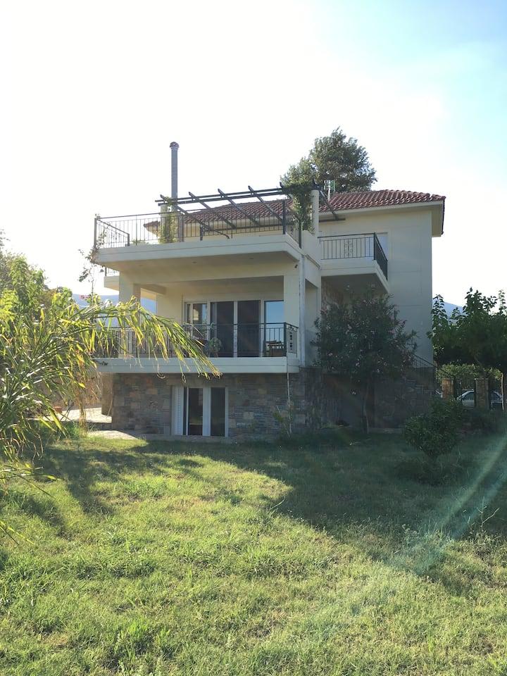 """Villa """"Elisa"""" - Erateini"""