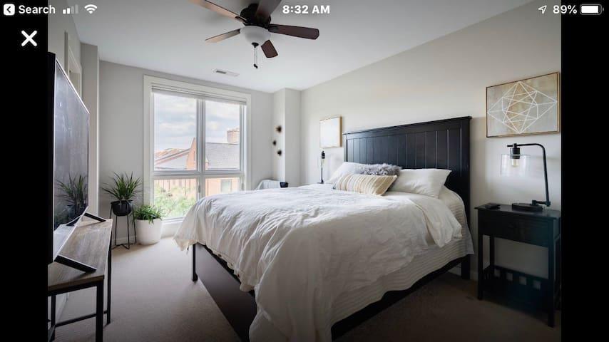 Private 3 rd floor en-suite