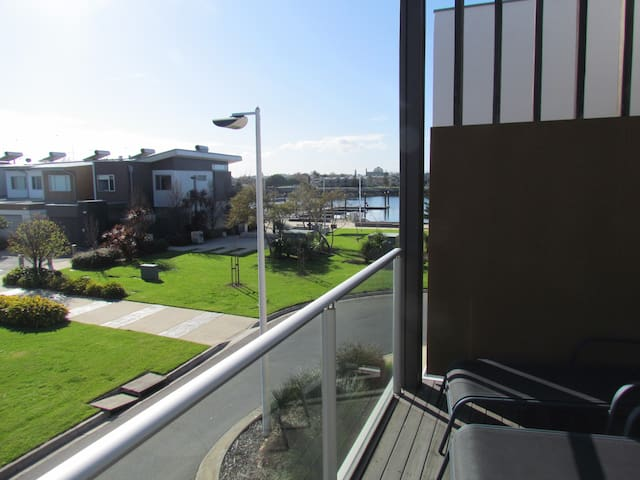 BLue Waters Viila . 3 br townhouse