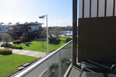BLue Waters Viila . 3 br townhouse - Ethelton