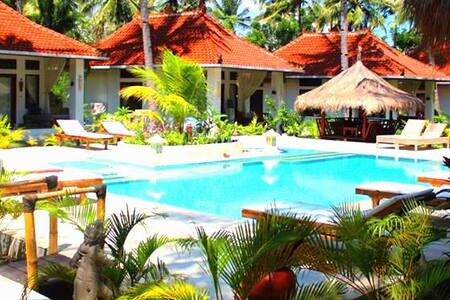 $76! Deluxe Bungalow for 4 in Meno with POOL! - Pemenang - Bungalow