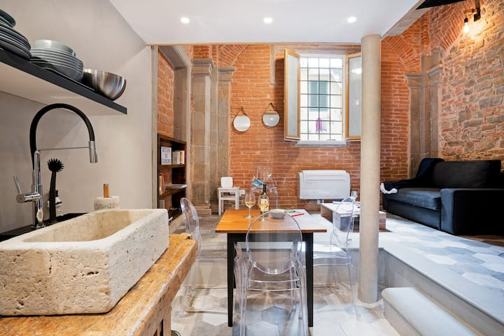 Industrial Chic Apartment in the city center