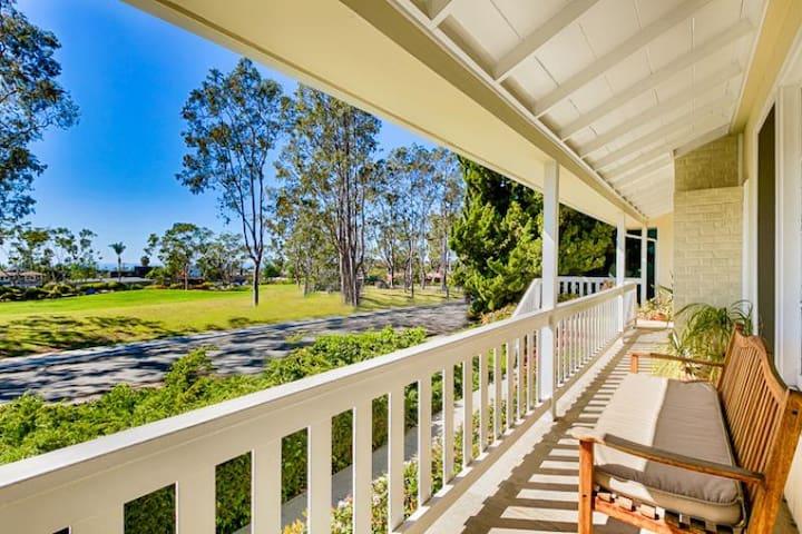 Beautiful Beach Cottage w/ Ocean Views, Grass Yard w/ BBQ + Outdoor Living