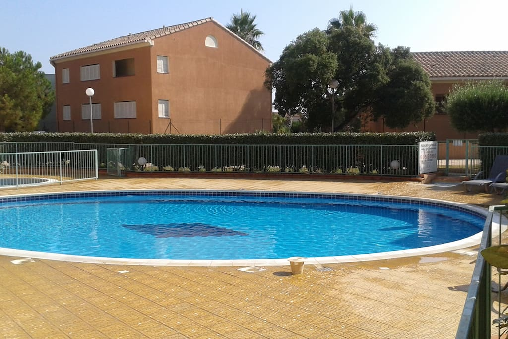 piscina condominiale riservata