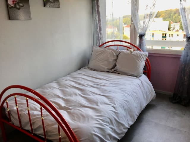 Bedroom to rent  in Chelles