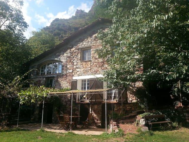 La bergerie du Cians/Chambre d'hôte - Pierlas - บ้าน