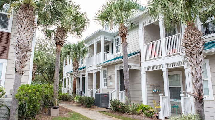 Blue Mt. Beach Condo - Steps from the Pool & Easy Beach Access! - 124 Village Blvd # 815