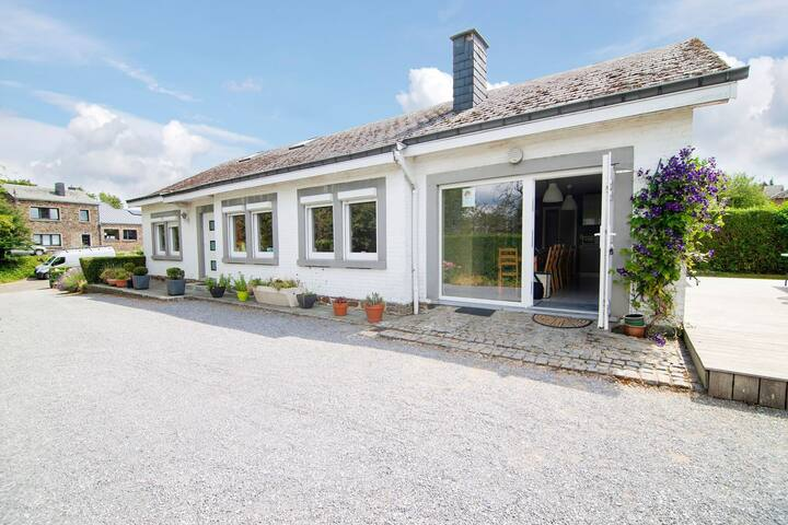 Picturesque Holiday Home in Nassogne with Garden