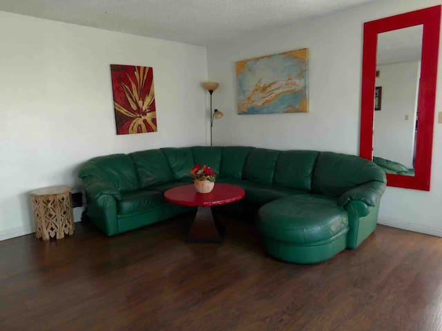 4/20 AND PET FRIENDLY PAD 1 MILE TO MGM STRIP