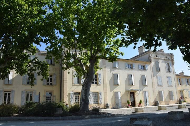 Château de Jouarres 2p4 mezzanine