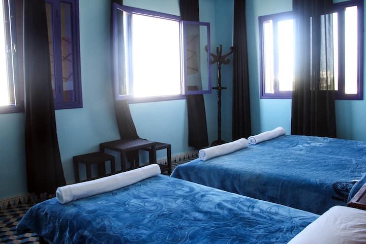 Triple Room 2 with sea view ( DAR IZIKI )