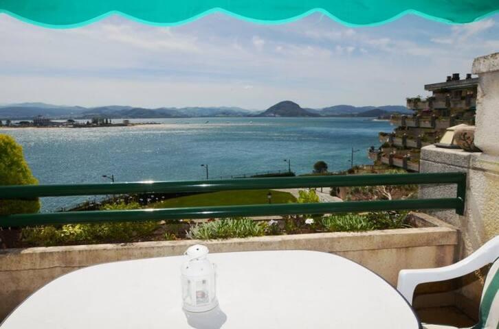 vistas al mar piscina garaje terraza santoña. - Santoña - Apartamento