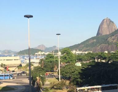 Imperdível - vista Pão de Açúcar, uma quadra metro - Rio de Janeiro - Apartmen