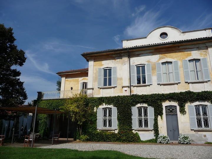 Fascinating mansion in the heart of Piedmont