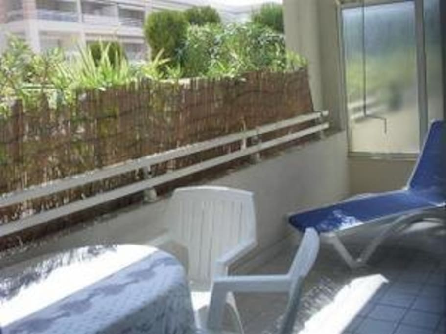 2 pieces en rez de piscine appartements louer for Piscine 2 alpes