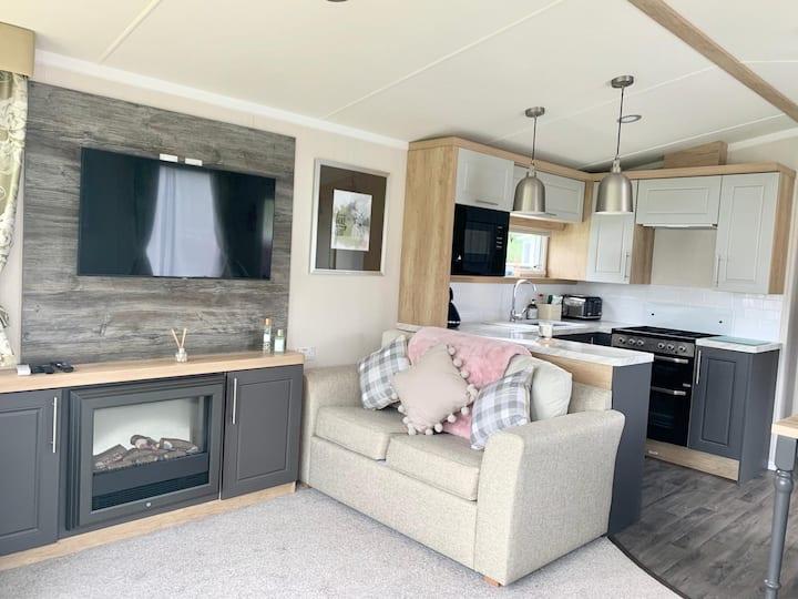 Luxury Caravan by the Sea in New Quay, Ceredigion