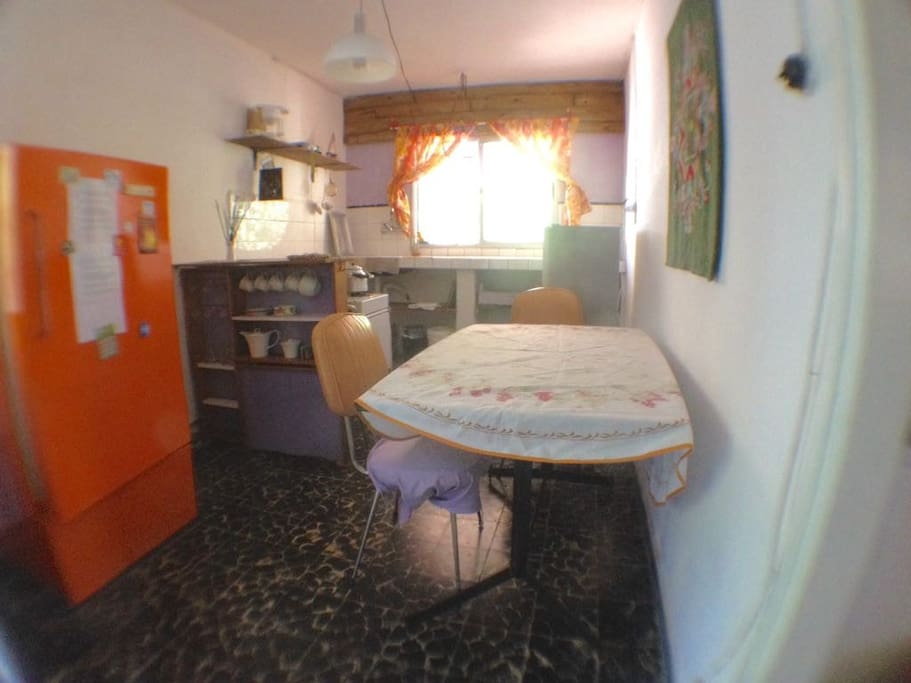Equipped kitchen, very bright, direct access to the outside.
