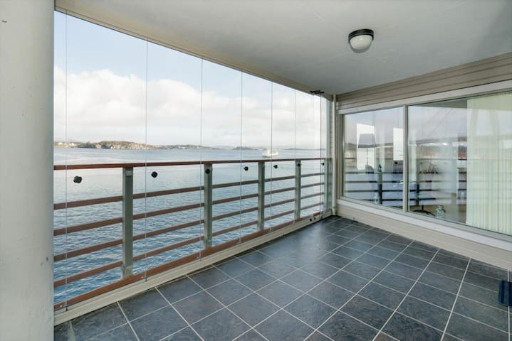 Stunning sea view in exclusive apartment - Stavanger - Huoneisto