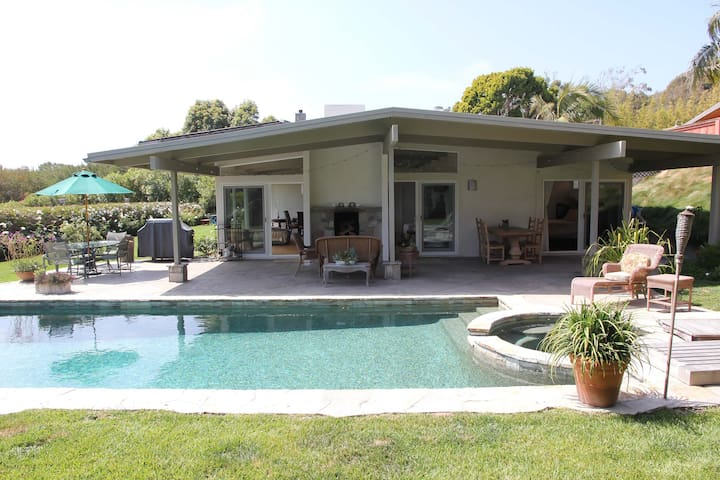 Private Point Dume Gem gated home, walk to beaches