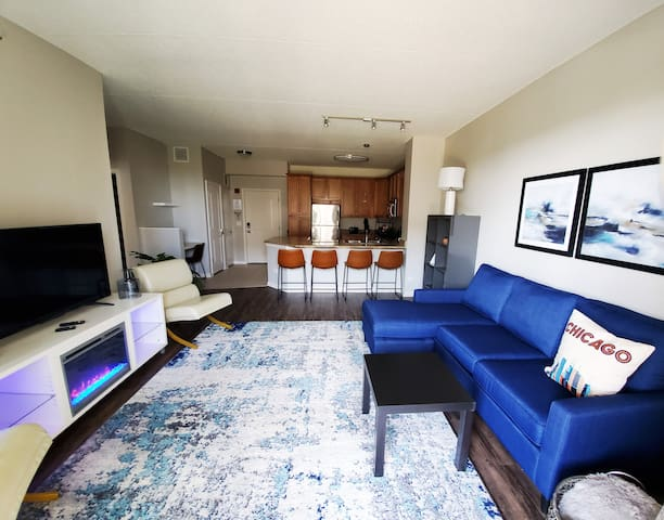 "King Bed,  Parking, WiFi,  50"" TV, Washer / Dryer"