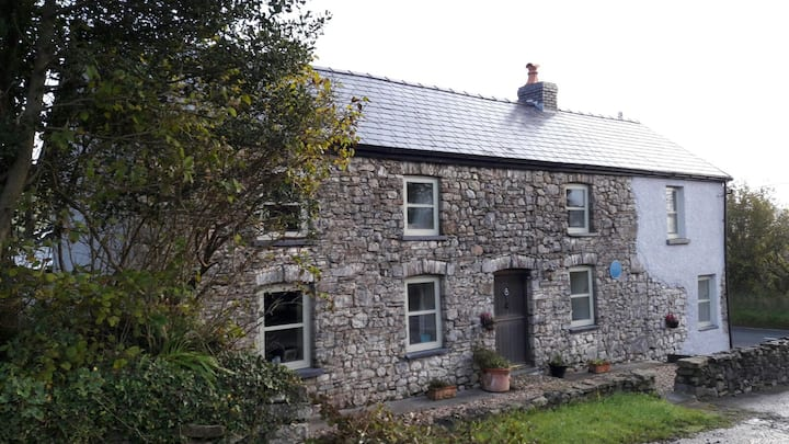 Farmers Arms Cottage-Double room, private bathroom