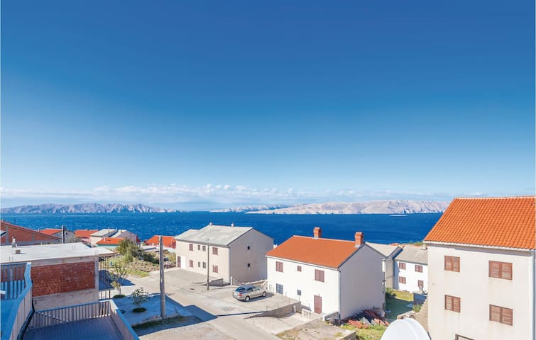 Holiday apartment with 3 bedrooms on 86m² in Senj