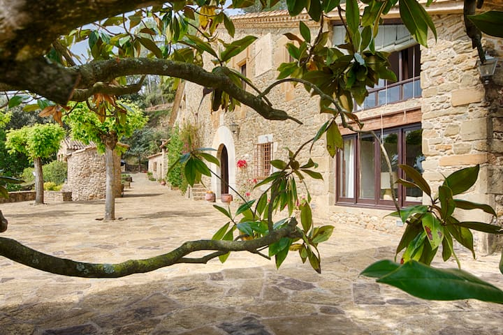 Apartamento en Masia Can Pou (PG (Phone number hidden by Airbnb)