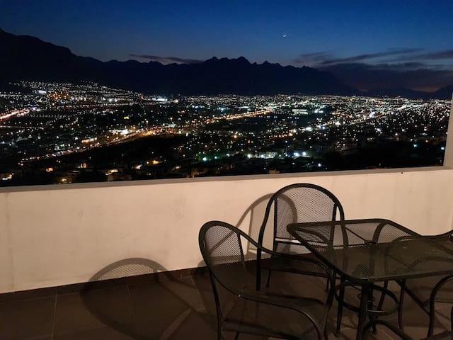 PRIVATE ROOM, SAFE ZONE, BEST QUALITY-PRICE. - Monterrey - Hus