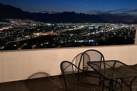 PRIVATE ROOM, SAFE ZONE, BEST QUALITY-PRICE. - Monterrey - Casa