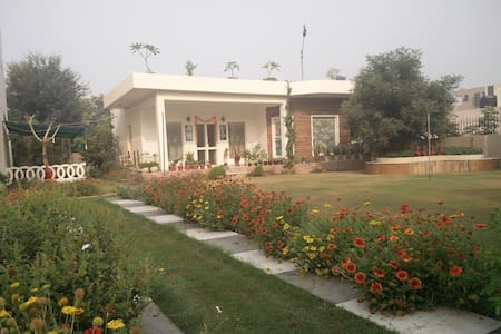 An Independent Cottage - Gurgaon