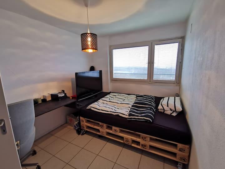 Privates Zimmer in entspannter WG