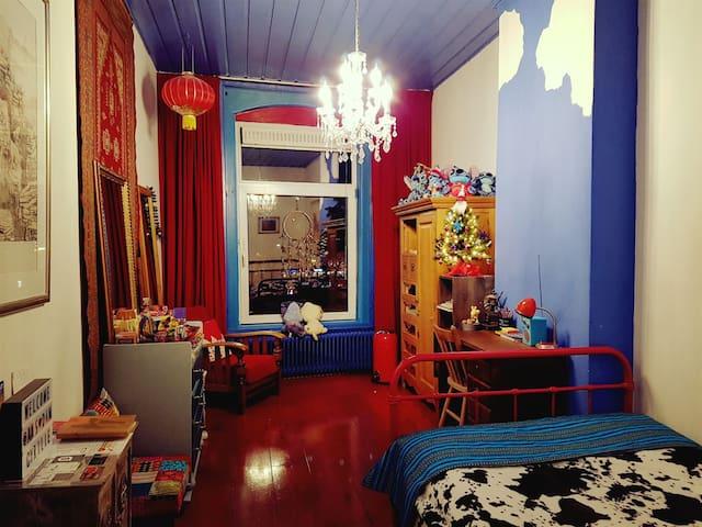 COZY CLEAN CANALHOUSE ROOM 1P & LUXURY BATHROOM:)