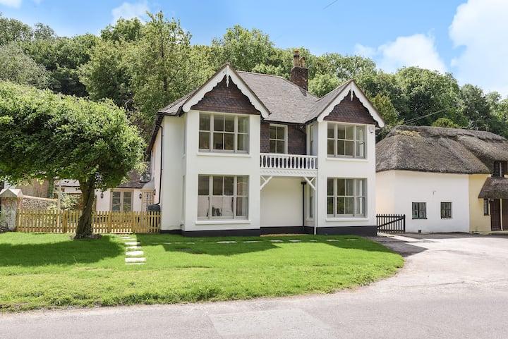 Luxury Large Five Bedroom Family House Sleeps 10