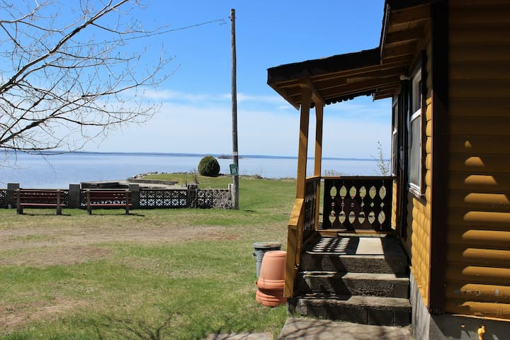 Cottage #14 - Trout - 2BR - sleeps 4