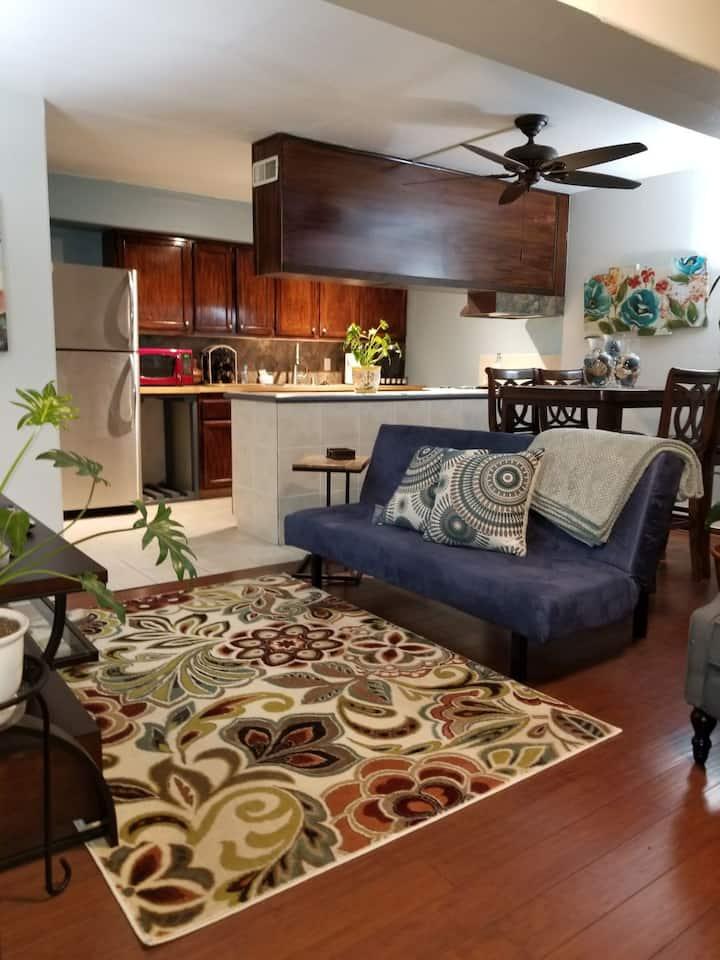 Private Charming & Cozy Apartment, Monterey Park