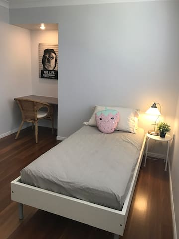 Cosy Room near Brisbane CBD and Gold Coast - Kuraby