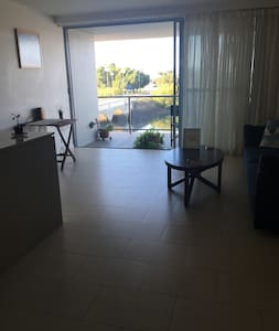 Riverside spacious apartment - Townsville City