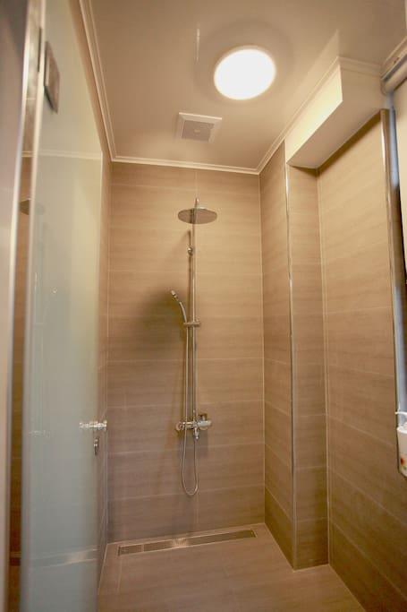 獨立的淋浴間