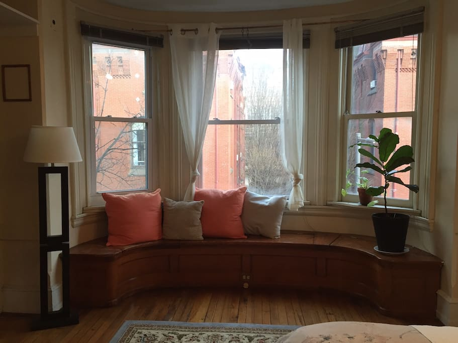 Large Bay windows that look out to 15th Street.