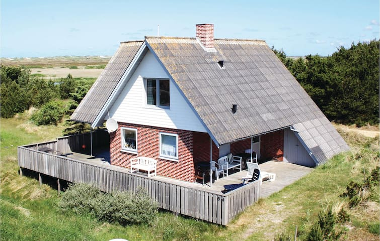 Holiday cottage with 3 bedrooms on 95m² in Nørre Nebel