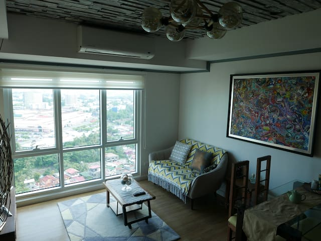 Abreeza Place Penthouse (680 sqft) Panorama Views