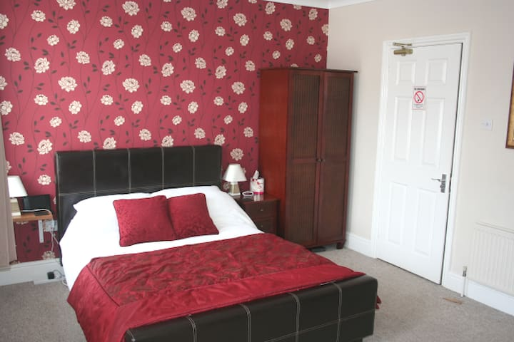 5 Bed House nr Ipswich Town Centre and Waterfront - Ipswich