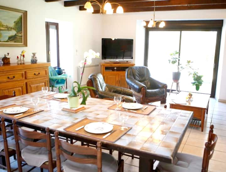 Villa with 3 bedrooms in Mellionnec, with enclosed garden - 60 km from the beach