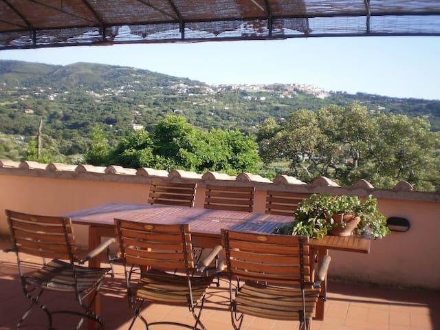Casa colonica Le Pitte, appartamento con terrazza - Mola - Huoneisto