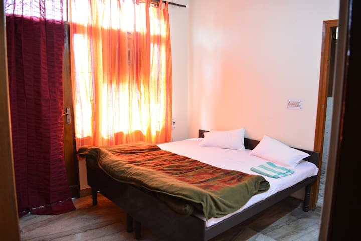 Feel free and comfortable (Appartment room) - New Delhi - Apartment