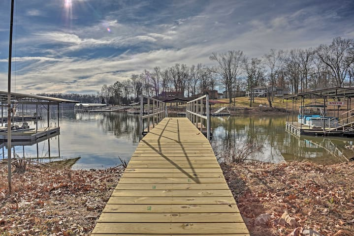 Benton Home w/ Dock & Slip - Walk to KY Lake!