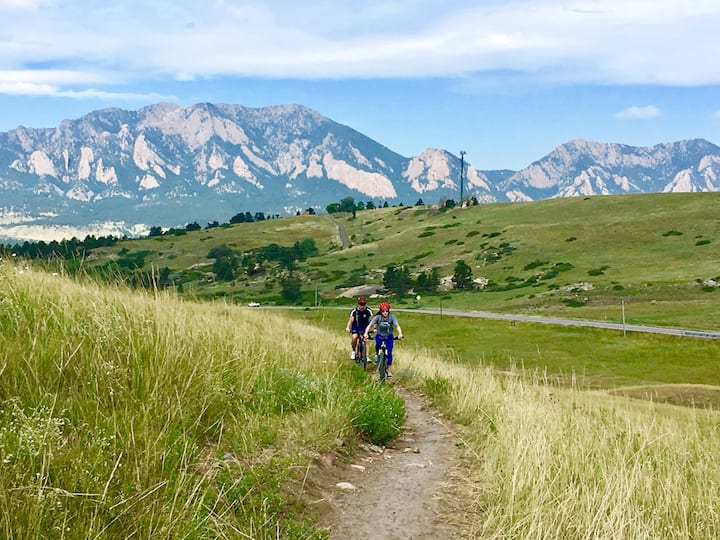 Stunning views of the Boulder Flatirons!